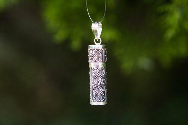 Cremation Jewellery and Keepsakes